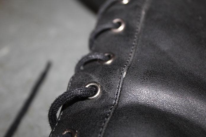Wysokie kozaki za kolano – z czym je nosić?