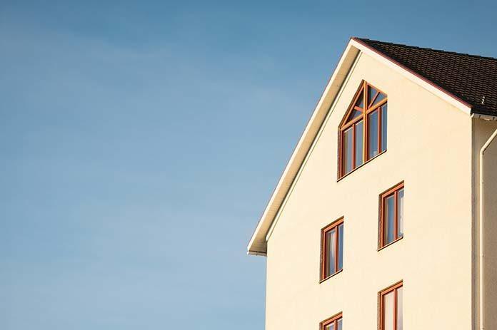 Tanie okna – drewniane, pvc a może aluminiowe?