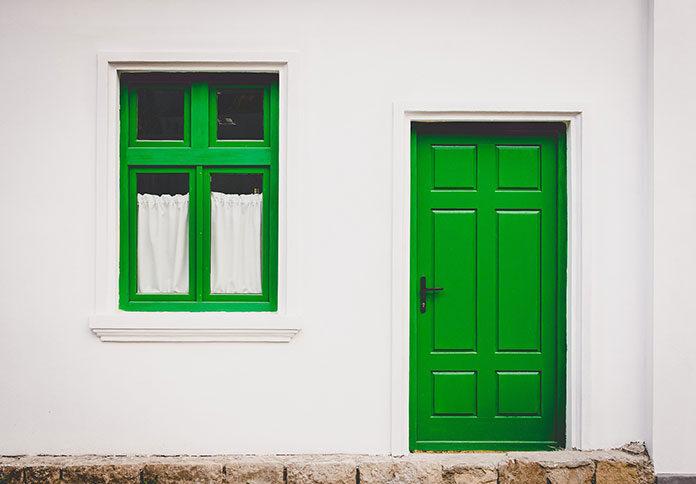 Czym kierować się przy wyborze drzwi zewnętrznych