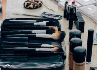 Jak wykonać profesjonalny dzienny makijaż