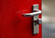 Profile aluminiowe do drzwi